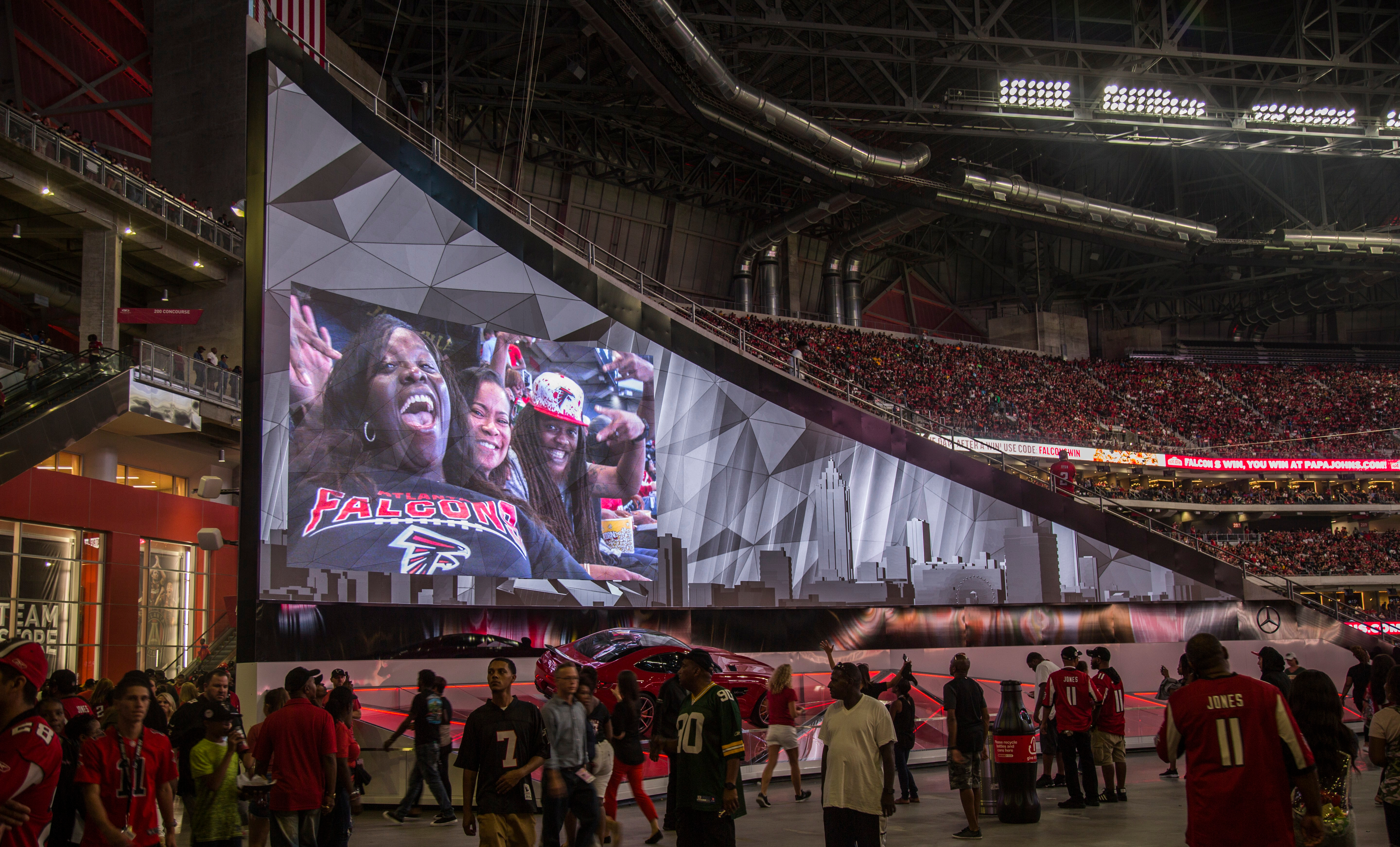 atlantafalcons_feather-wall_04.jpg