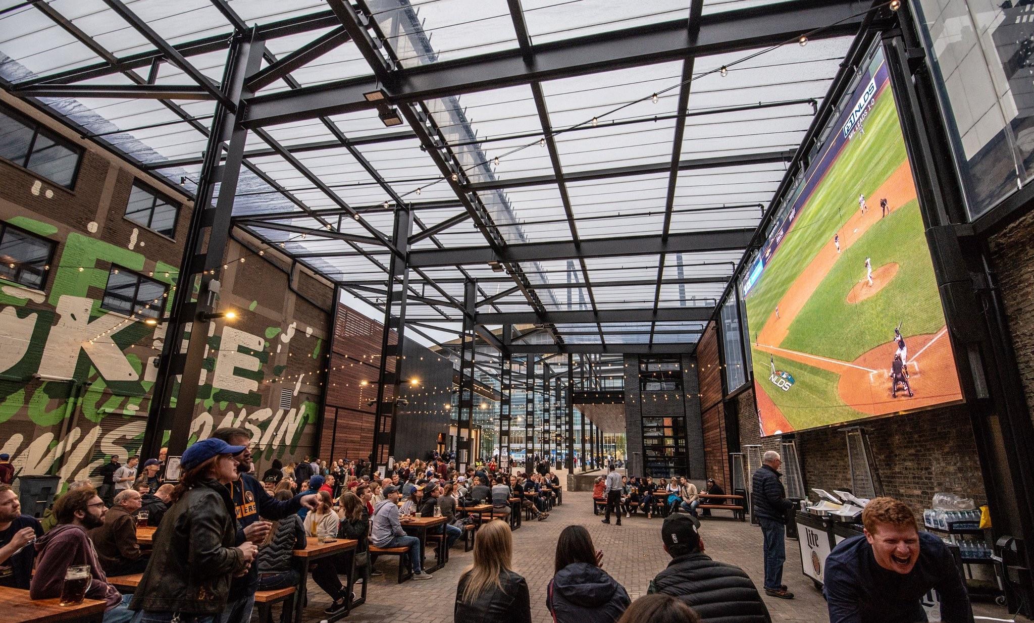 MilwaukeeBucks_BeerGarden_03